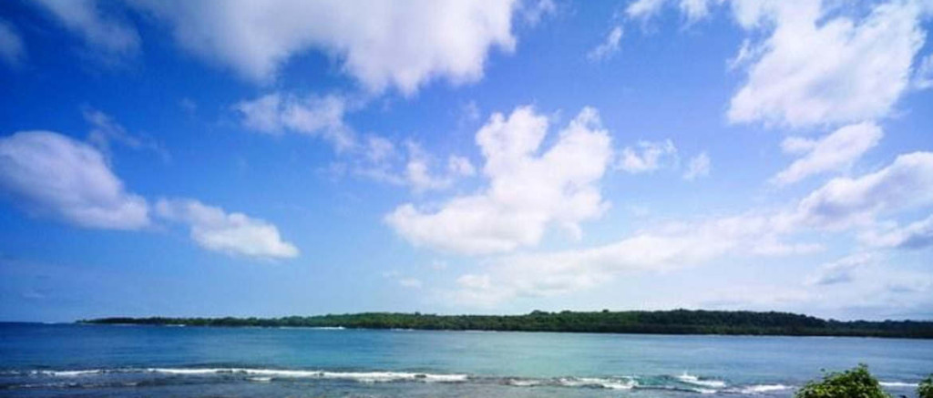 Beautiful relaxing Teouma Bay, 15 min. from bustling Port Vila
